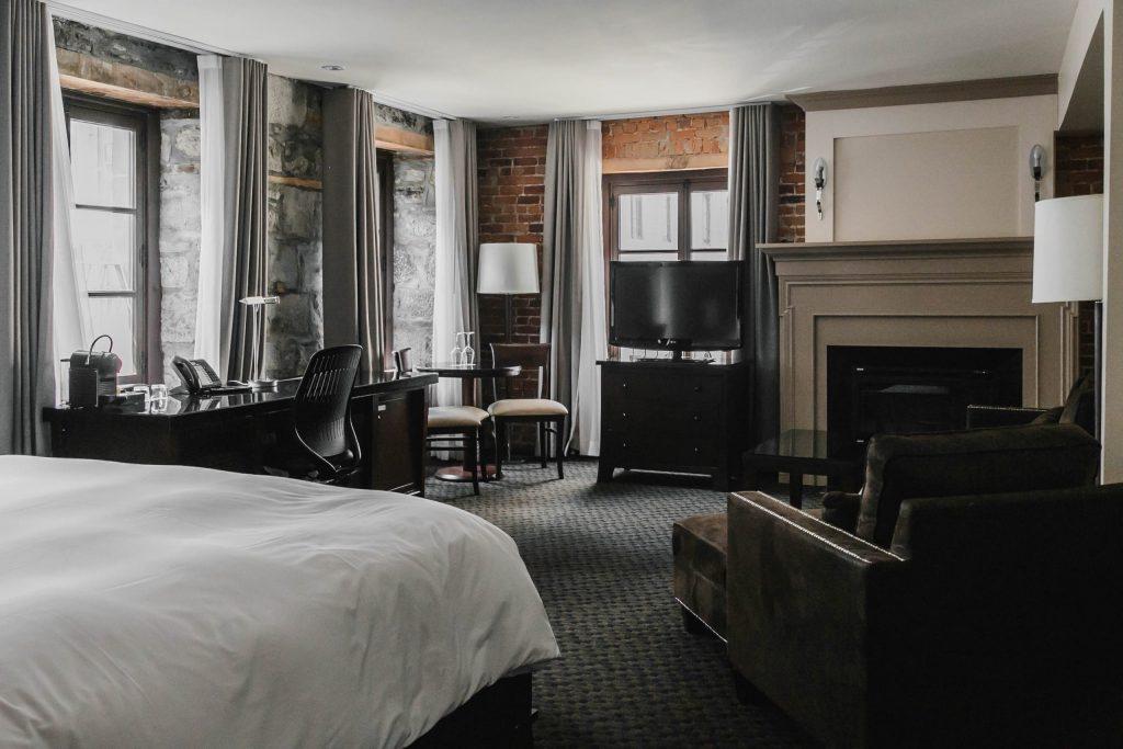 Chambre des Petites Suites Deluxe à l'Hôtel Nelligan